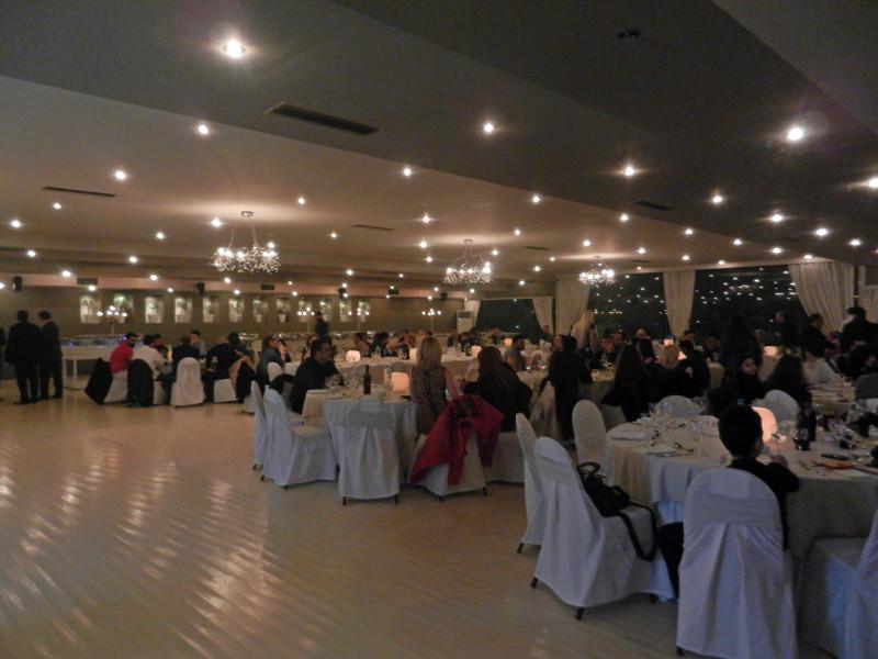 Άποψη του χώρου τη βραδιά που κόβουν τη βασιλόπιτα του 2015 οι εργαζόμενοι του κτήματος Αριάδνη, του Anais club, καθώς και οι συνεργάτες τους