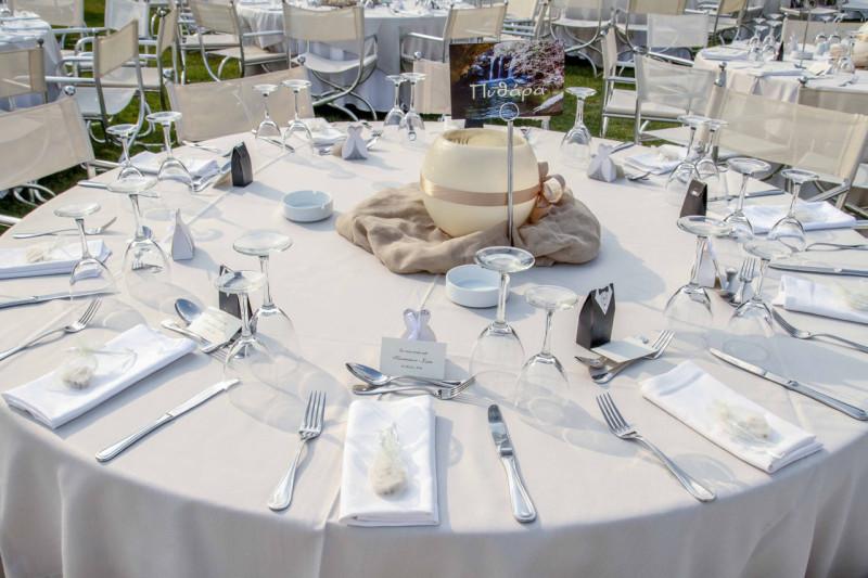 Στολισμένο τραπέζι καλεσμένων