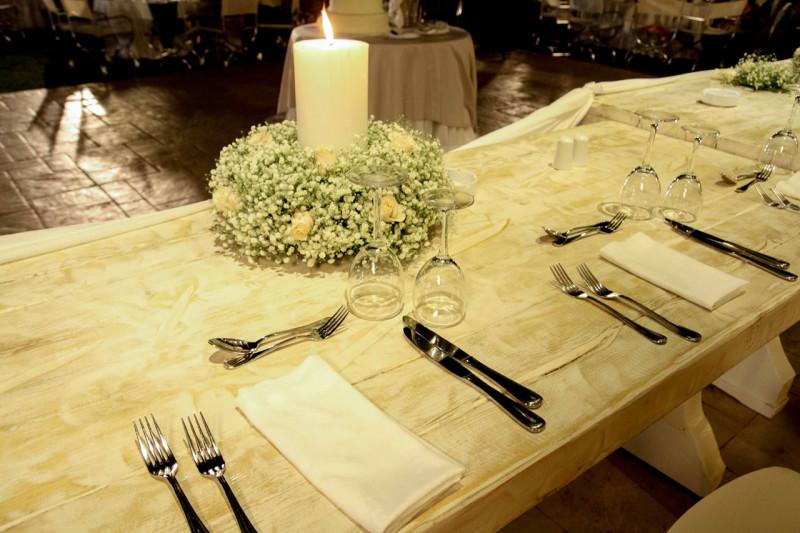 Λεπτομέρεια από το νυφικό τραπέζι