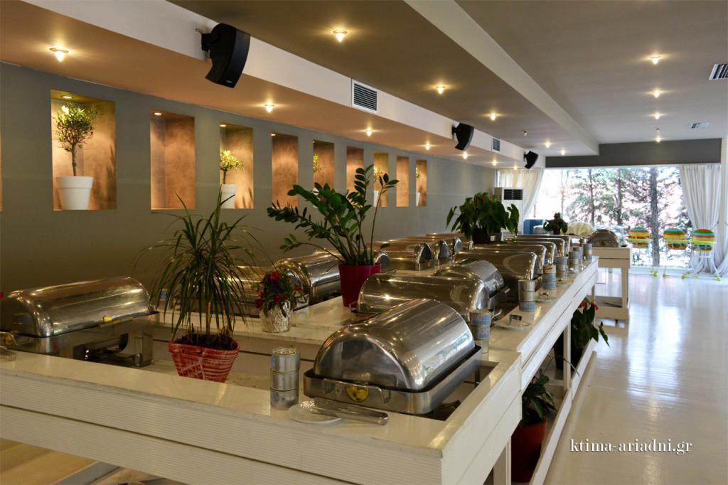 Ο μπουφές, πλούσιος σε γεύσεις, που δημιουργήθηκαν από τους Chef μας με αγνά υλικά και δημιουργική διάθεση