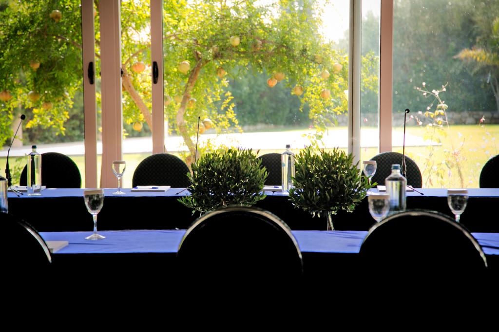 Άποψη της αίθουσας Κνωσσός όπως διαμορφώθηκε για ένα επαγγελματικό meeting