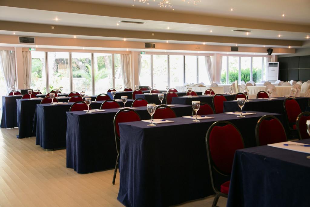 Διαμόρφωση αίθουσας για τις ανάγκες σεμιναρίου εταιρίας τεχνολογίας