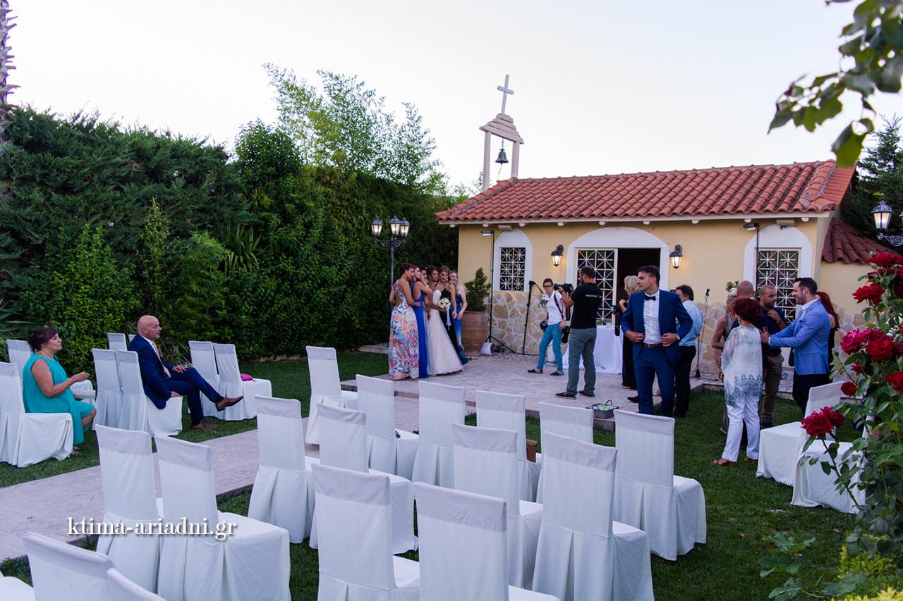 Οι φωτογραφίες μετά τον γάμο είναι το διασκεδαστικό μέρος που ακολουθεί την τελετή