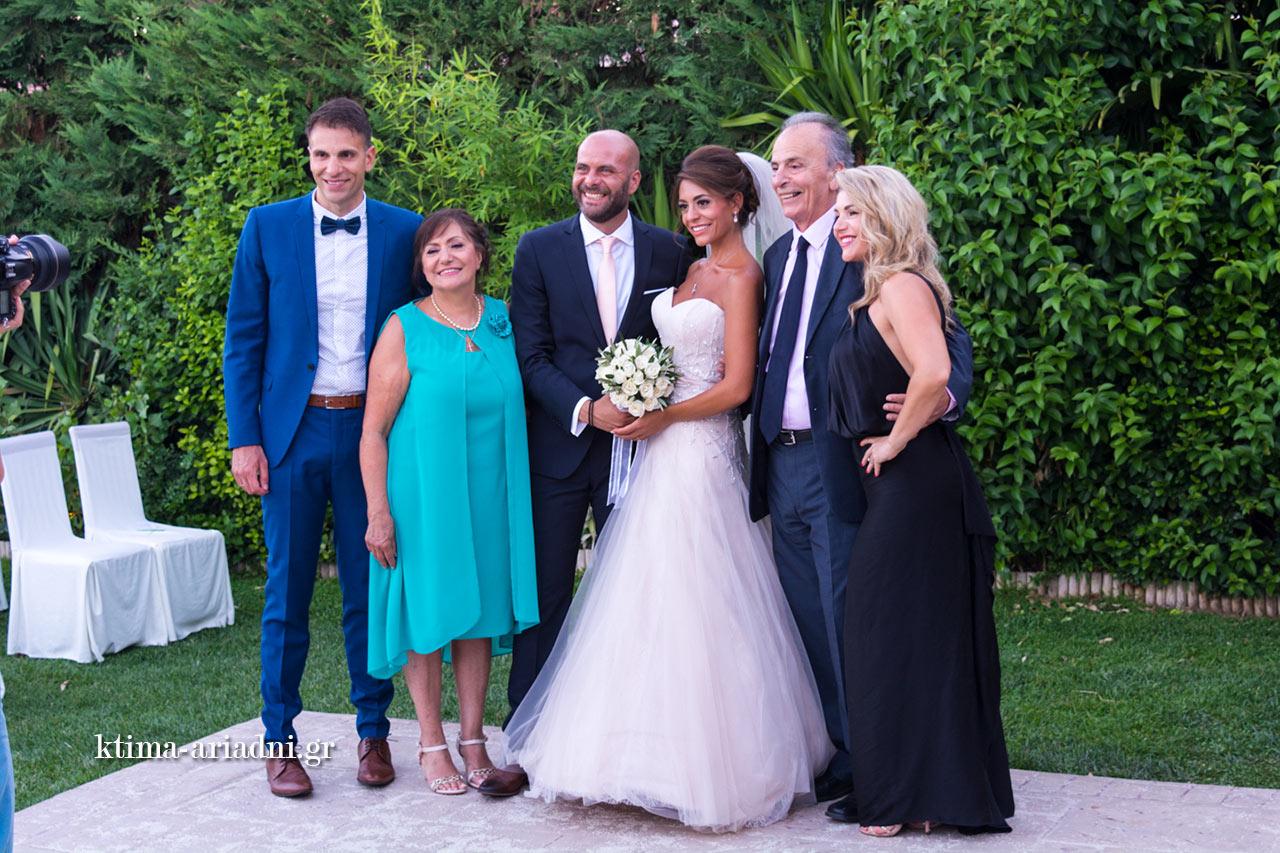 Μετά τον γάμο οικογενειακές φωτογραφίες