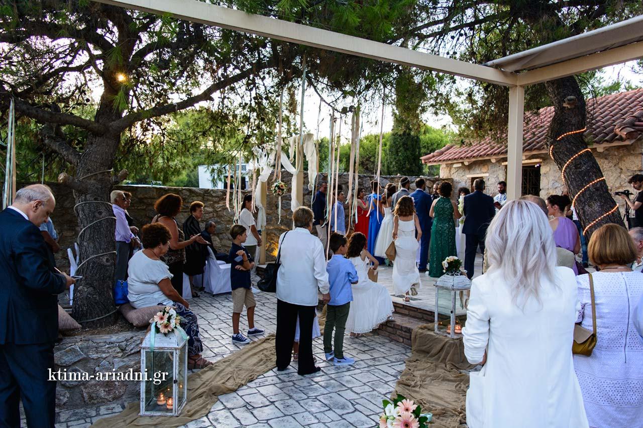 γάμος στο εκκλησάκι dexiosi gamou menta linatsa ktima ariadni