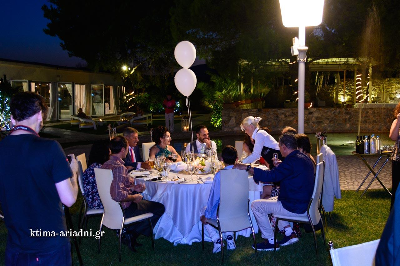 Σερβίρουμε το γαμήλιο τραπέζι dexiosi gamou menta linatsa ktima ariadni