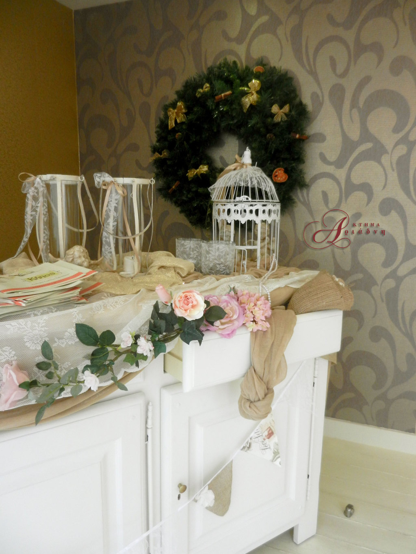 Η είσοδος των γραφείων στο κτήμα Αριάδνη διακοσμημένη γιορτινά