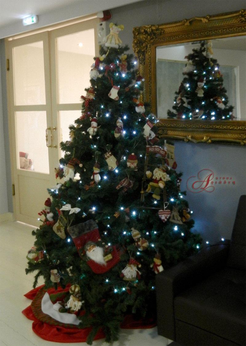 Το χριστουγεννιάτικο δέντρο που στολίσαμε στα γραφεία μας