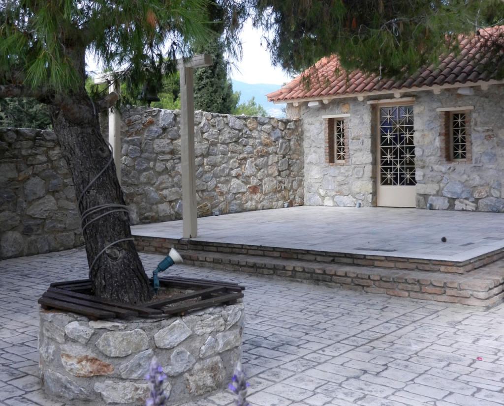 Προτάσεις στολισμού για το εκκλησάκι του Αγίου Γεωργίου στο κτήμα Αριάδνη στον χώρο Φαιστός
