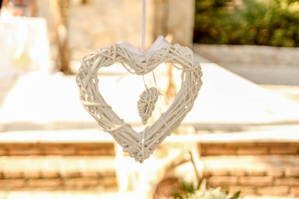Κρεμαστή λευκή καρδούλα