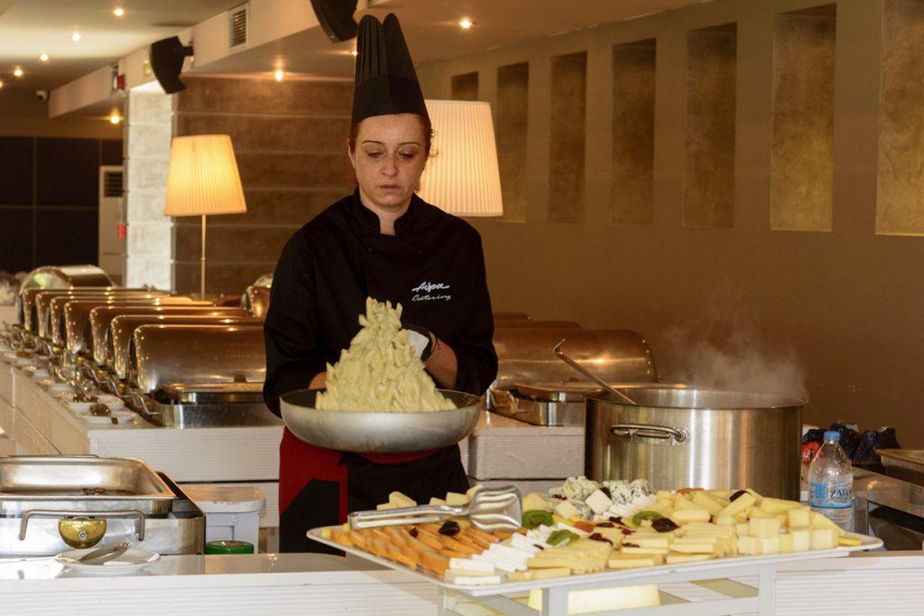 Live cooking pasta dexiosi vaptisi saloon cowboy