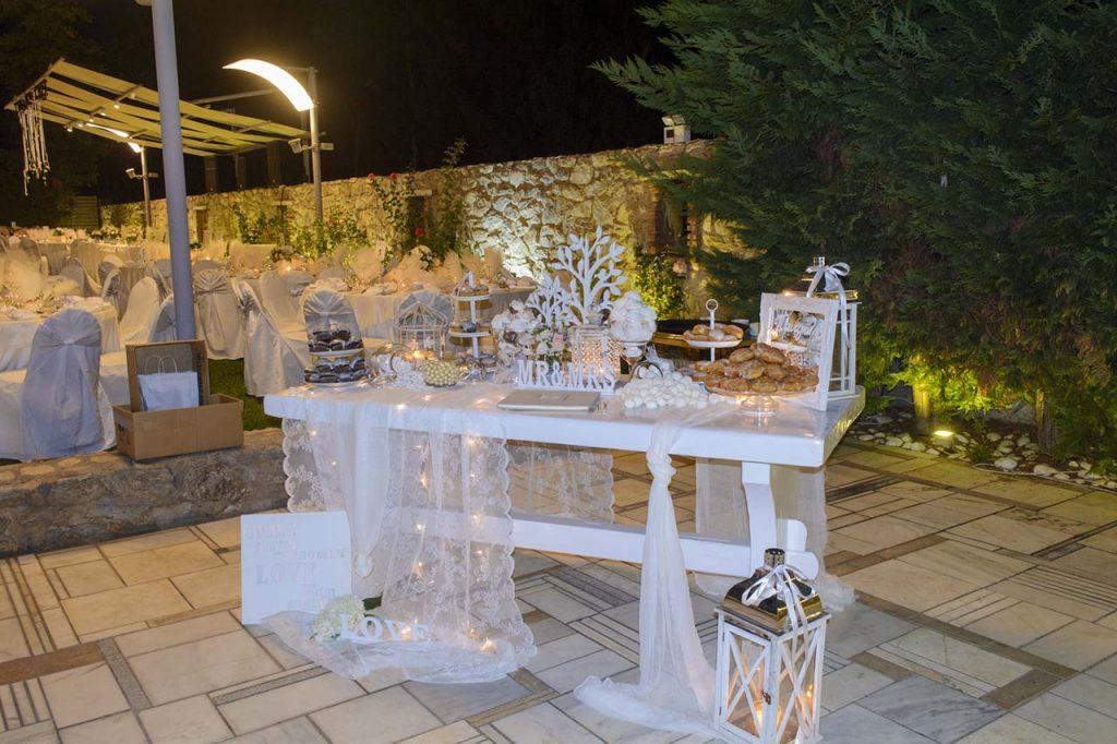 Τραπέζι ευχών με fairy lights