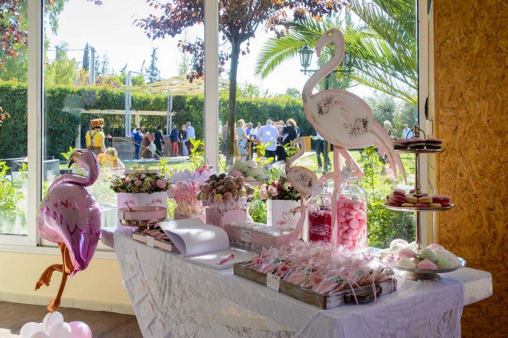 τραπέζι ευχών ροζ φλαμίνγκο candybar