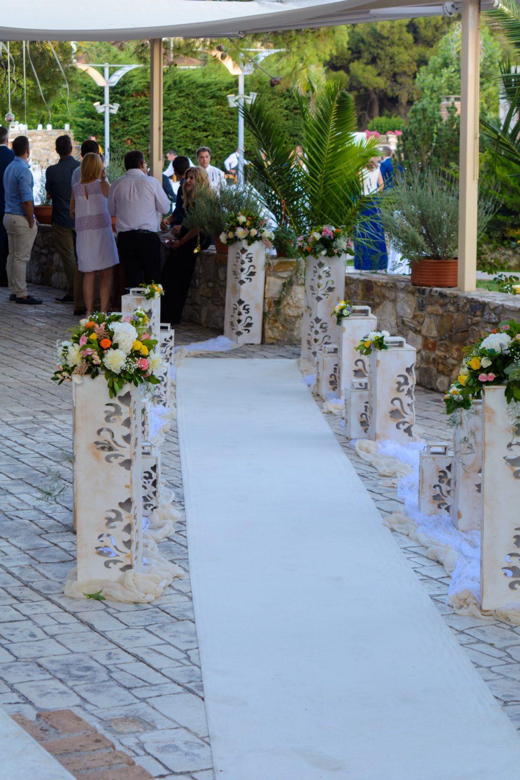 stolismos ekklisias white carpet