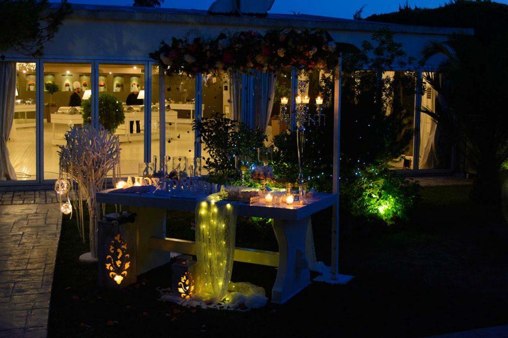 Παραμυθένιο τραπέζι ευχών και candybar τη νύχτα