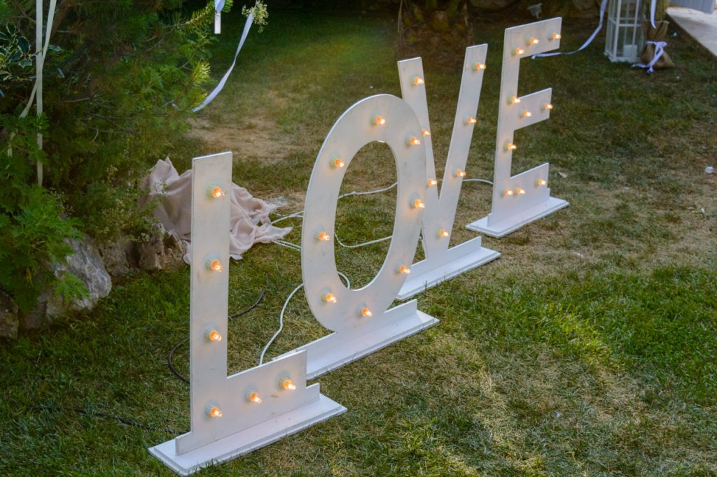 gamos-vaptisi-ktima-ariadni-fly-with-me-letter-light-marquee