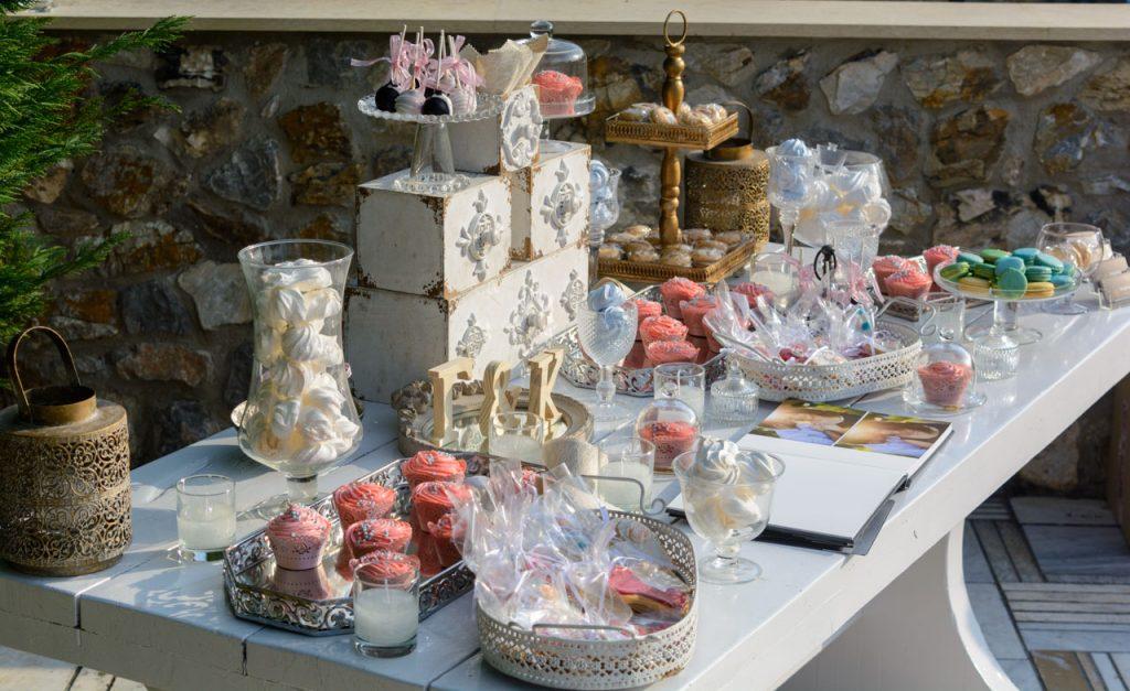 gamos-vaptisi-ktima-ariadni-fly-with-me-trapezi-efxon-cookies-cupcakes-cakepops