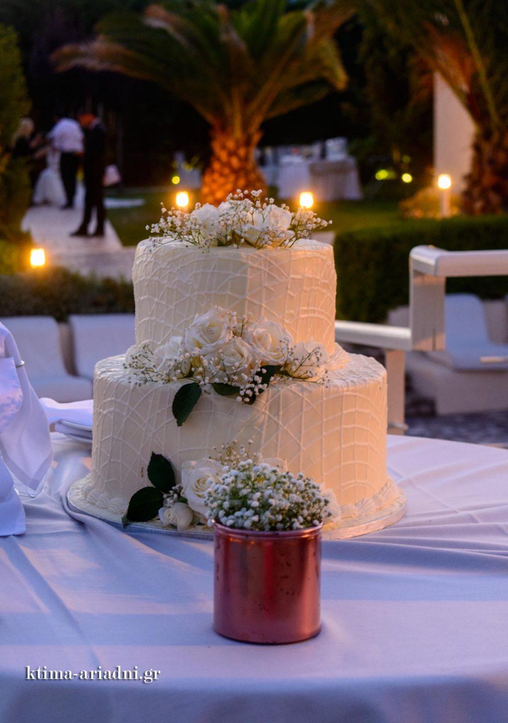 Η γαμήλια τούρτα, κομψή και λαχταριστή