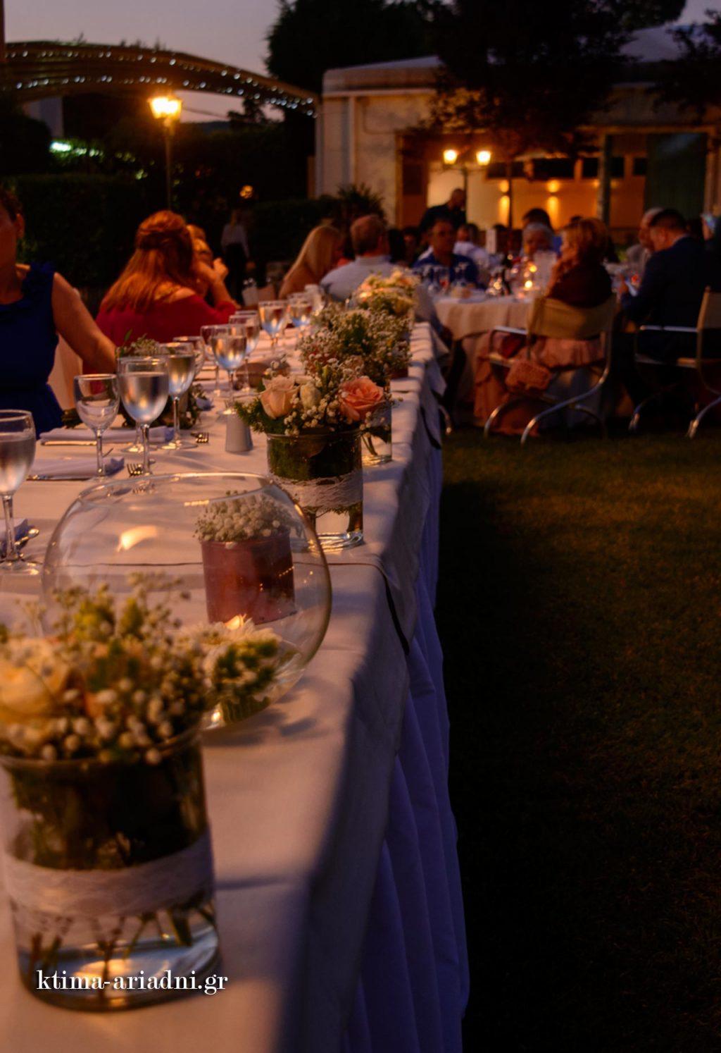 Άποψη από το νυφικό τραπέζι