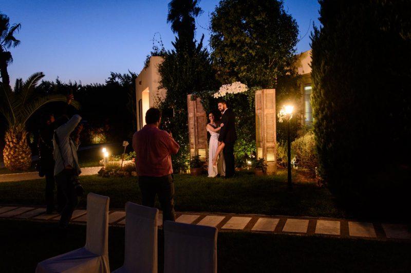 Backstage από την καλλιτεχνική φωτογράφηση μετά τον γάμο σε διάφορα σημεία του κτήματος