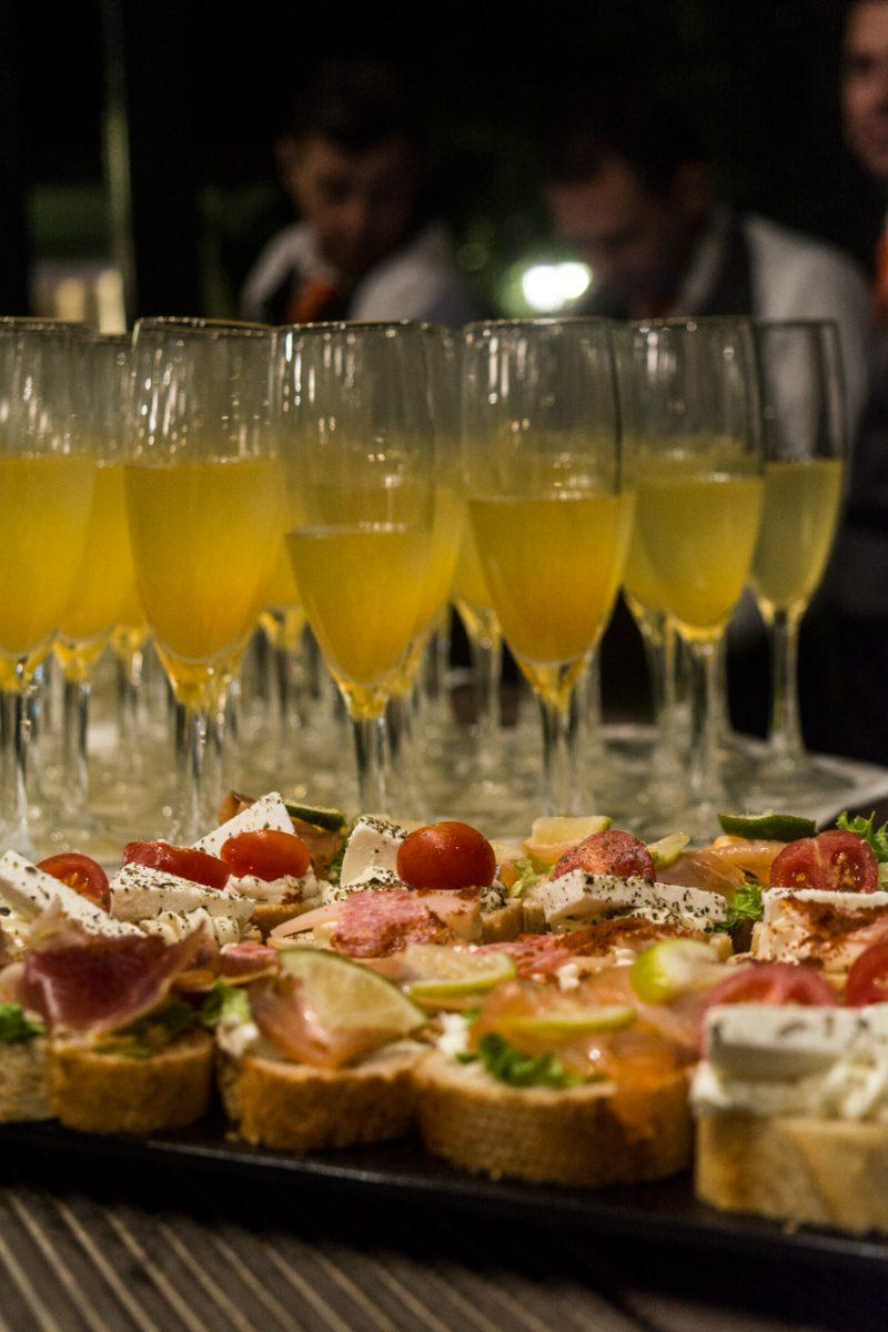 ποτά και finger food για το καλωσόρισμα των καλεσμένων boho-style-gamos-vaptisi-ktima-ariadni_0019