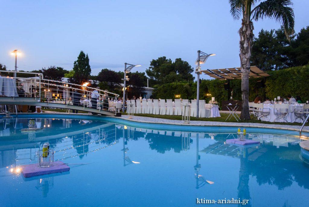Κτήμα Αριάδνη, χώρος Κνωσσός, δεξίωση δίπλα στην πισίνα