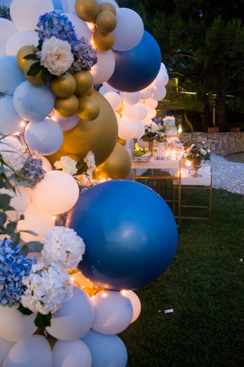 Διακόσμηση τραπέζι ευχών και candy bar με κατασκευή από μπαλόνια