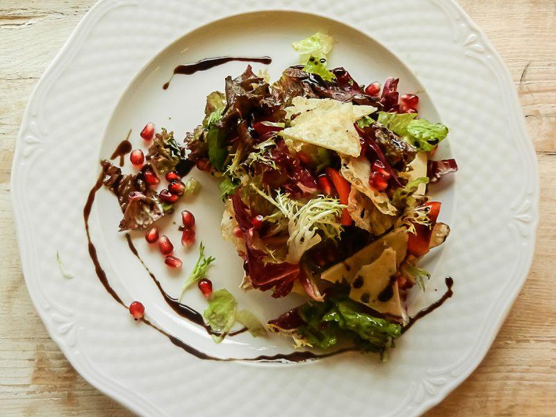 prasini salata me flakes paremazanas xristougenniatikes sintages ktima ariadni