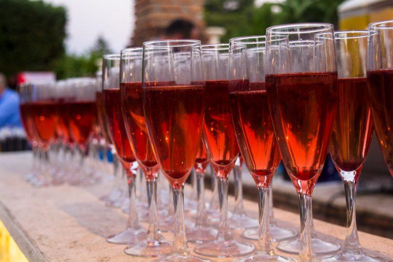 Ποτά για το καλωσόρισμα των καλεσμένων